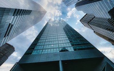 How can company title buildings manage major renovations by shareholders?